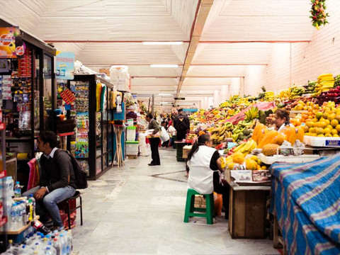 Tour of Traditional Markets and Chapel of Man