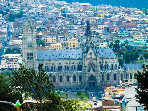 One Day Tour to the Historic Center of Quito and Cable Car