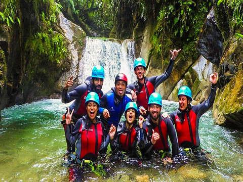 Medio Día de Aventura- Canyoning en Casahurco, Baños