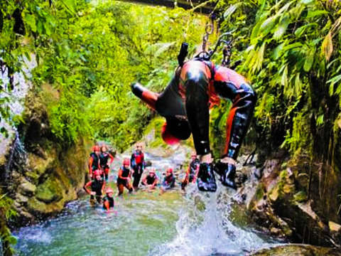 Extreme Canyoning in Cashaurco