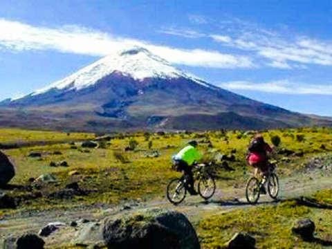 Full Day Trekking in Cotopaxi Volcano